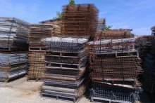 "42""x47""Outside Waterfall Wire Mesh Decking"